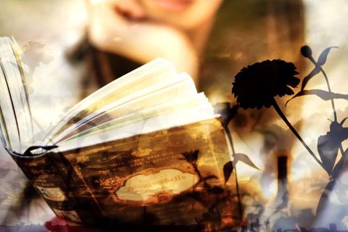 本を読む女性_ようこそ交際クラブ(デートクラブ)